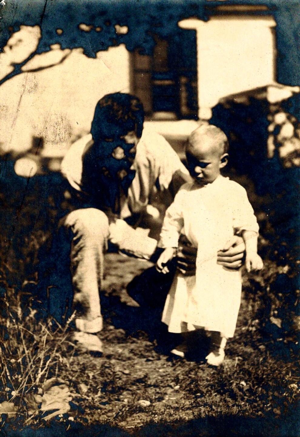 Emil Carlsen : Photograph of Emil & Dines Carlsen, ca.1903.
