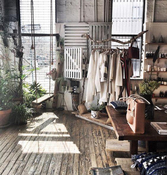 Online e il nostro negozio su roma per arredare la casa in stile country provenzale. Arredamento Shabby Chic Per Negozi Emiliano Arredamenti