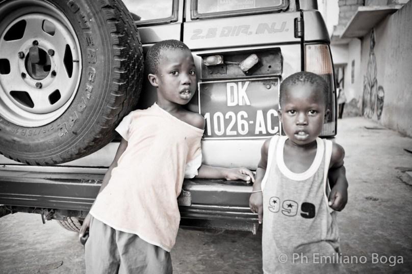 """""""emiliano boga"""" """"livia grossi"""" """"fotografo africa"""" """"fotografo teatro"""" """"foto di scena"""" """"foto africa"""" """"foto senegal"""" """"ricchi di cosa"""" """"poveri di cosa"""" """"reportage africa"""" senegal boga"""