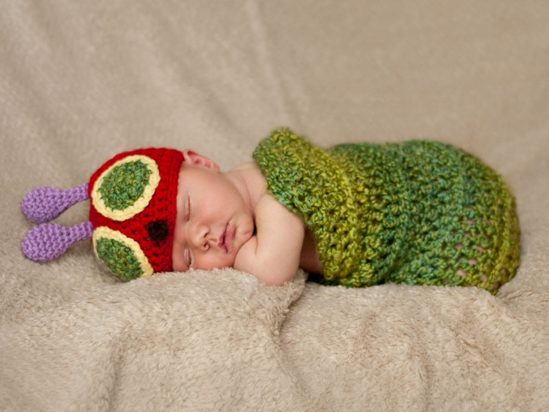baby-carle-knit-caterpillar-portraits-charlotte-photographer