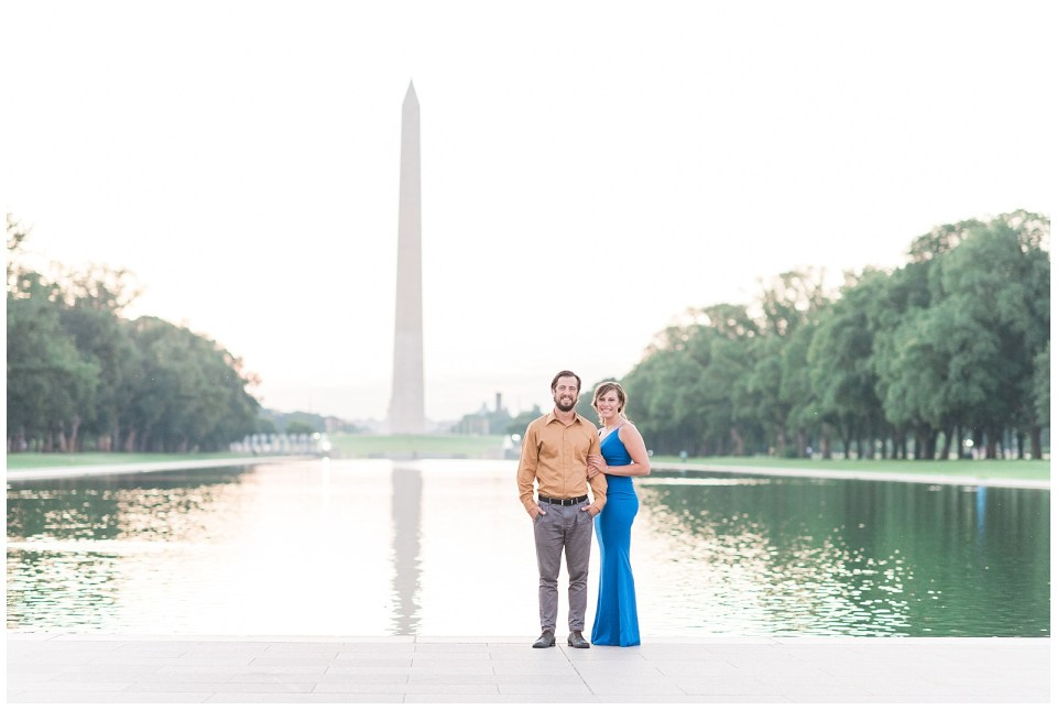 washington-monument-reflecting-pool-engagement-photo