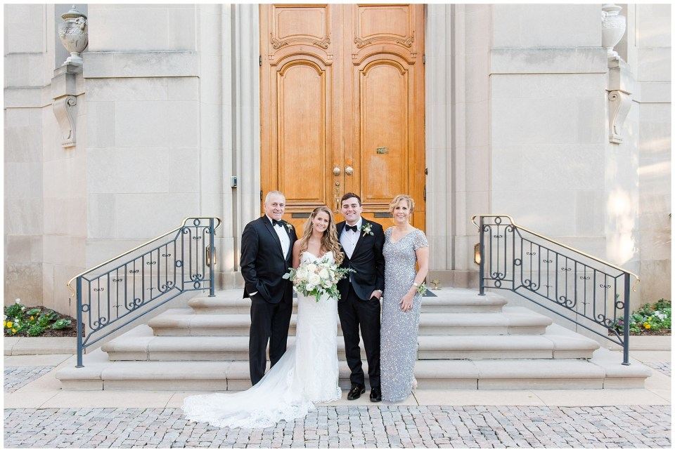 tips-family-formal-wedding-photos