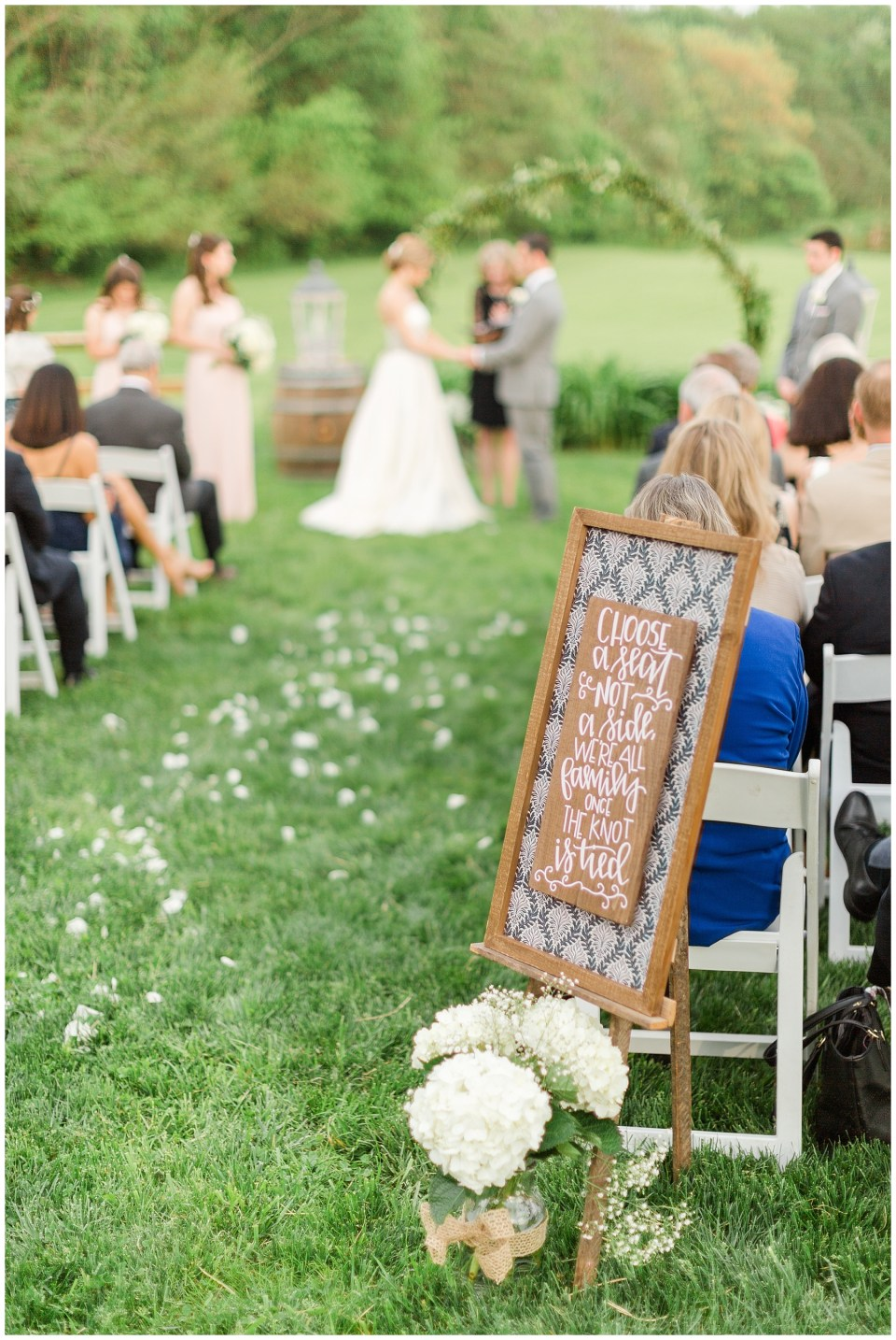 barns-at-hamilton-station-virginia-vineyard-wedding-photo-29_photos.jpg
