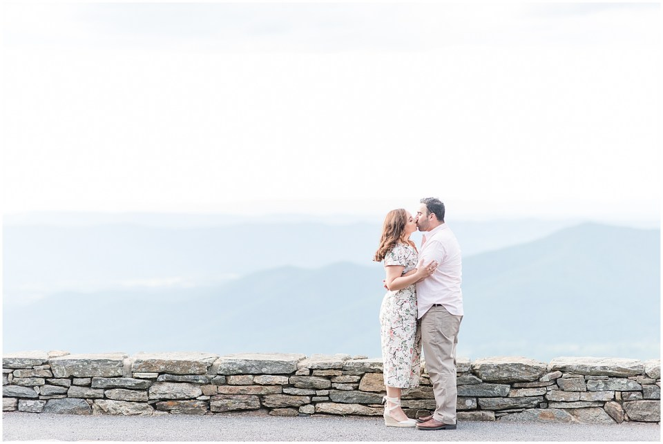 skyline-drive-stoney-man-overlook-engagement-photo