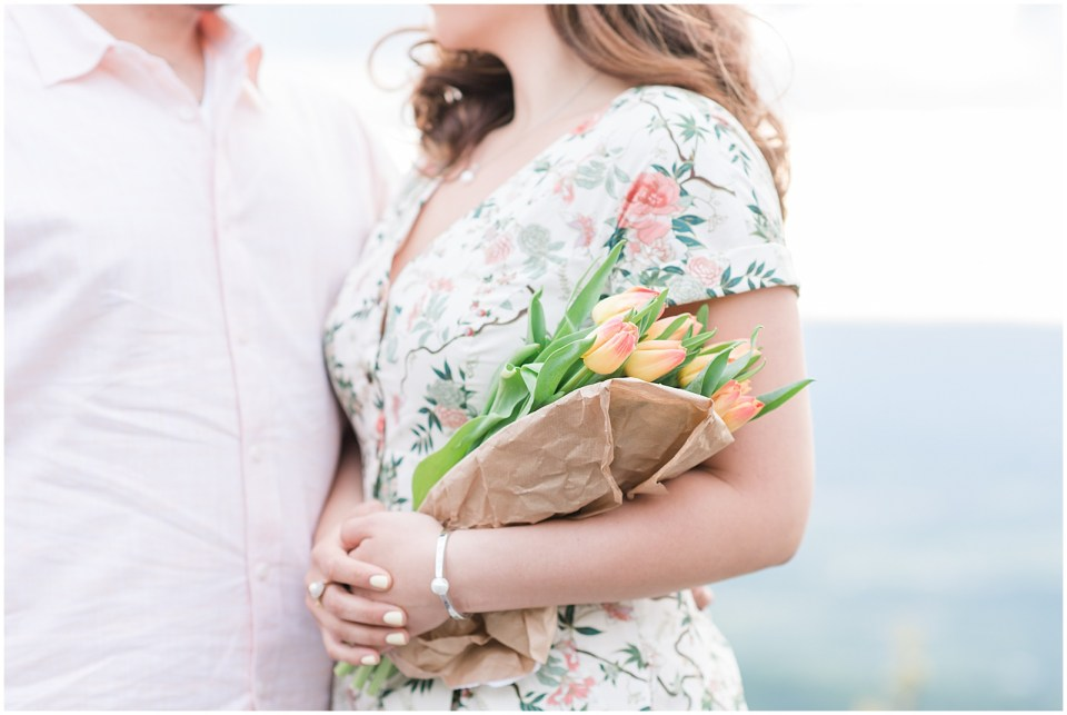 skyline-drive-stoney-man-overlook-tulip-bouquet-engagement-photo