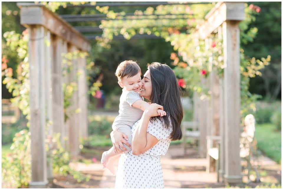 bon-air-park-rose-garden-family-photo-northern-virginia.jpg