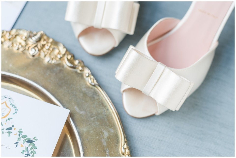 kate-spade-bridal-heels-bow-ivory-satin-photo