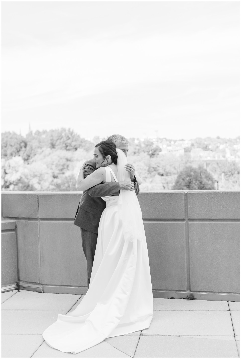 le-meridian-wedding-photo-father-daughter-first-look