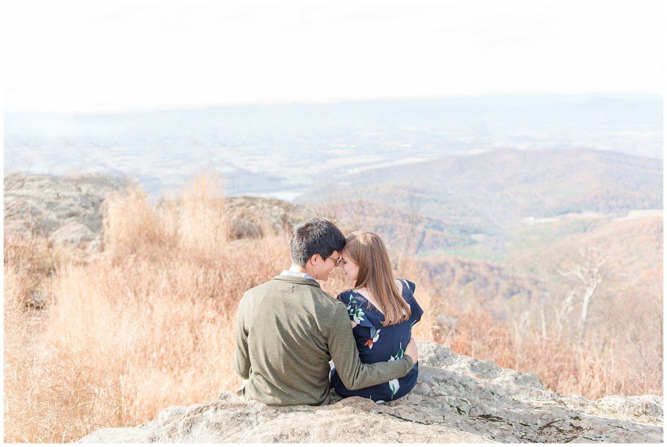 shenandoah-national-park-engagement-photos