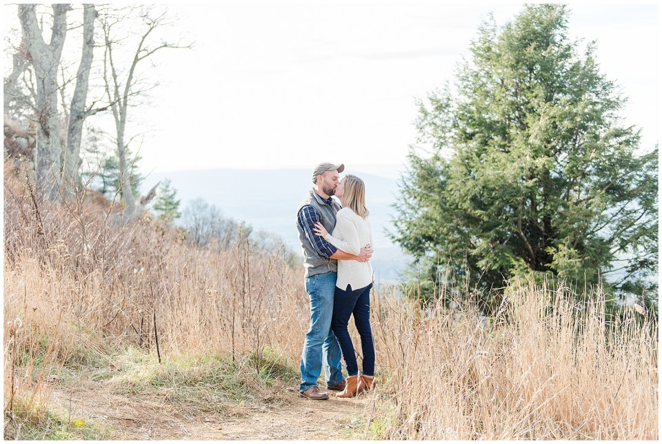 SHENANDOAH NATIONAL PARK overlook engagement photo