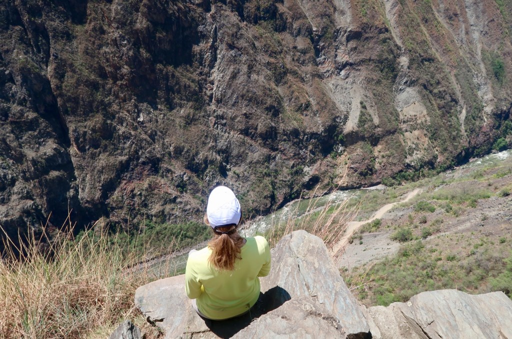 Inca Trail Lookout - EmilyAndy - tips and tricks for hiking to machu picchu