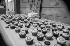R&R Wedding Cupcakes
