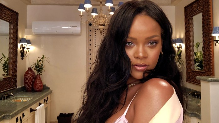 Rihanna 10 minute beauty routine