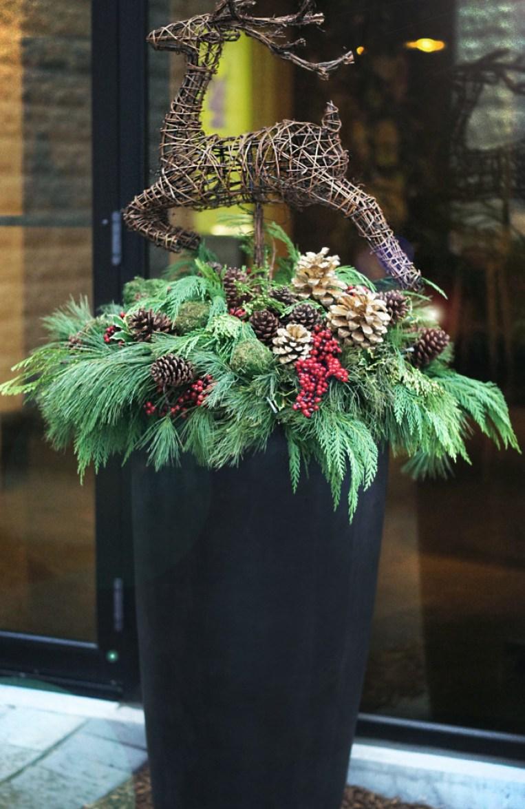 Christmas-outdoor-Planter