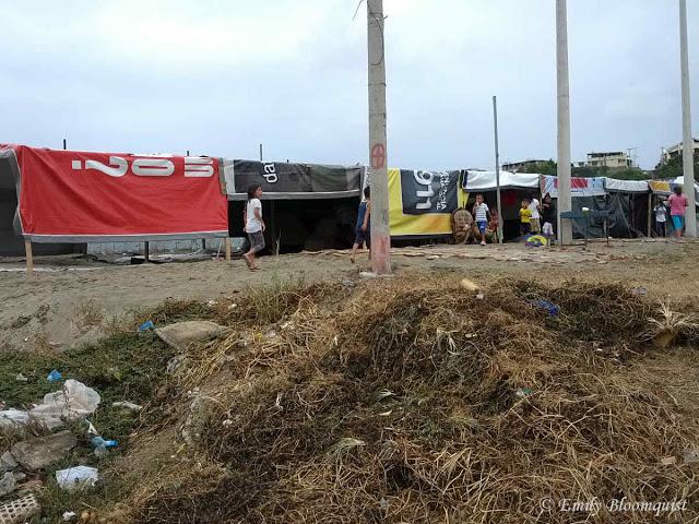 Makeshift camp in Manta empty lot