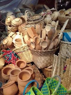 Cooking utensils, Feria Libre, Cuenca, Ecuador