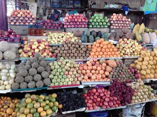 Fruit displayed at Feria Libre Cuenca Ecuador
