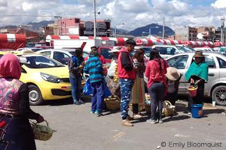 Feria Libre parking lot vendors, Cuenca, Ecuador