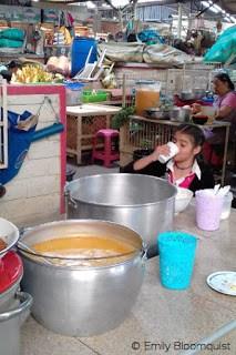 Food counter, Feria Libre, Cuenca, Ecuador
