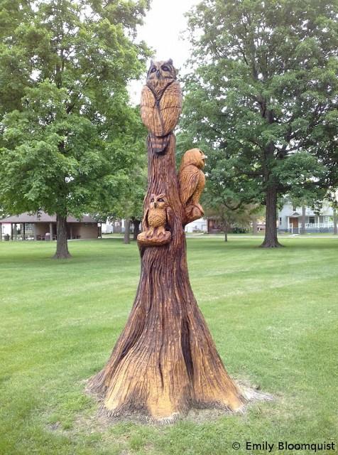 Tree stump art - Owls in Houston, Minnesota, USA