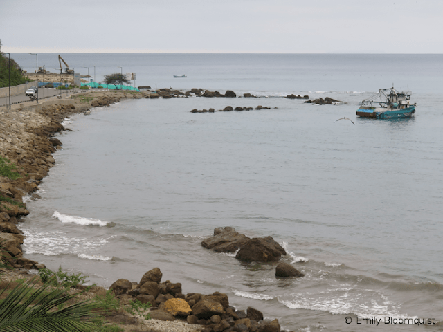 Puerto Lopez high tide
