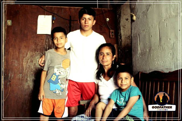 Godfather Ecuador assists this family