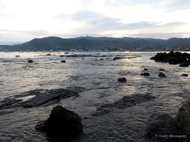 Tide waters covering rocks