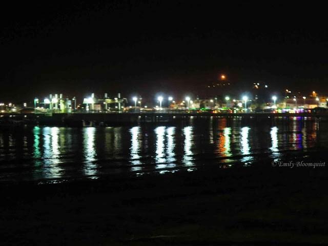 Puerto Lopez lights across pier