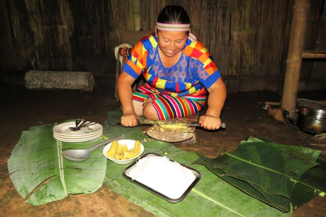 Making traditional Tsachila meal