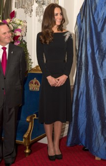 WELLINGTON, NEW ZEALAND - APRIL 10: Catherine, Duchess of Cambridge attends an art unveiling of a portrait of Queen Elizabeth II by New Zealand artist Nick Cuthell during Day 4 of a Royal Tour to New Zealand at Government House on April 10, 2014 in Wellington, New Zealand. The Duke and Duchess of Cambridge are on a three-week tour of Australia and New Zealand, the first official trip overseas with their son, Prince George of Cambridge. (Photo by Arthur Edwards - Pool/Getty Images)
