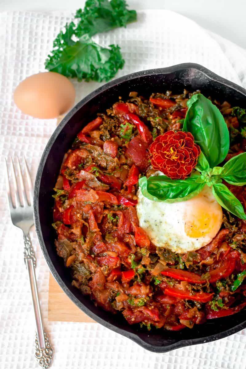 Kale & Red Pepper Shakshuka by Emily Kyle Nutrition