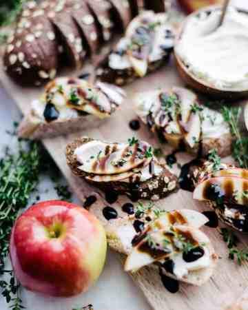 Apple Crostinis