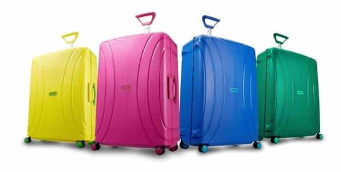 Review Lock N Roll Suitcase From American Tourister