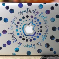 Decorate your laptop cover with patterned vinyl