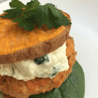 how to make paleo salmon burgers at home