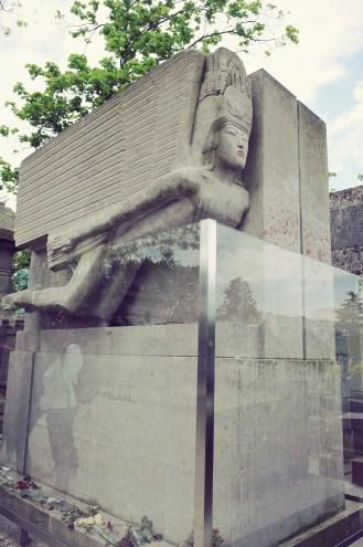 No more kisses for Oscar Wilde