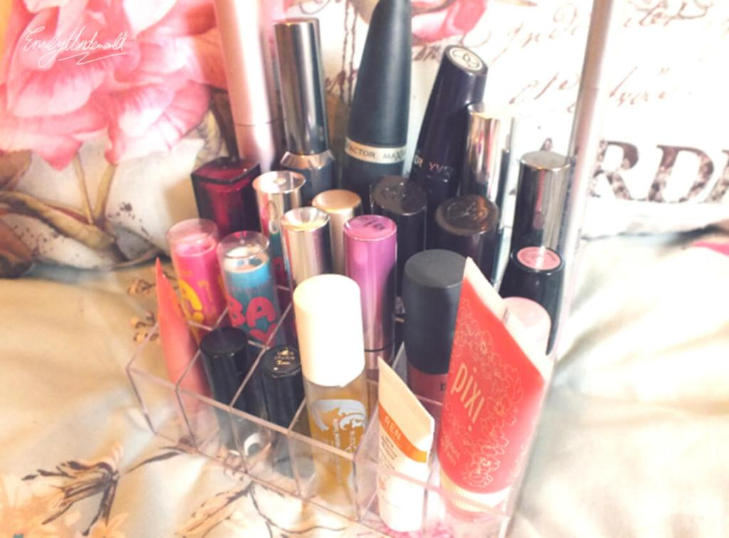 A Dupe for Muji Makeup Storage