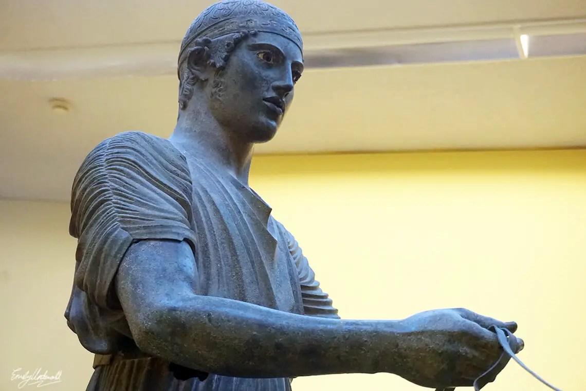delphi-charioteer-closeup