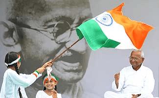Arrest in Dubai for Anna Hazare supporters!