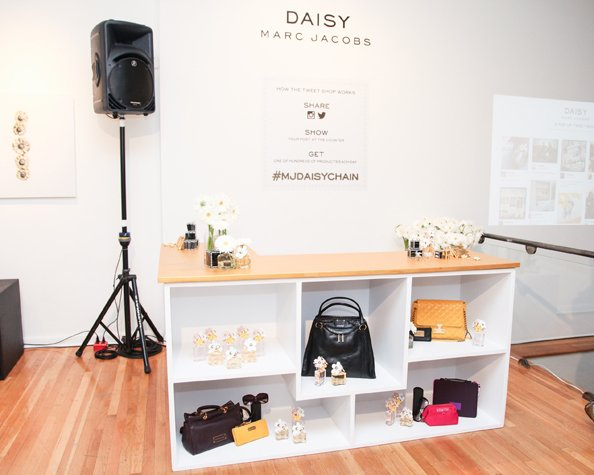 sale retailer 58215 ed7ee Marc Jacobs Launches Social Media Fuelled Pop-Up Store ...