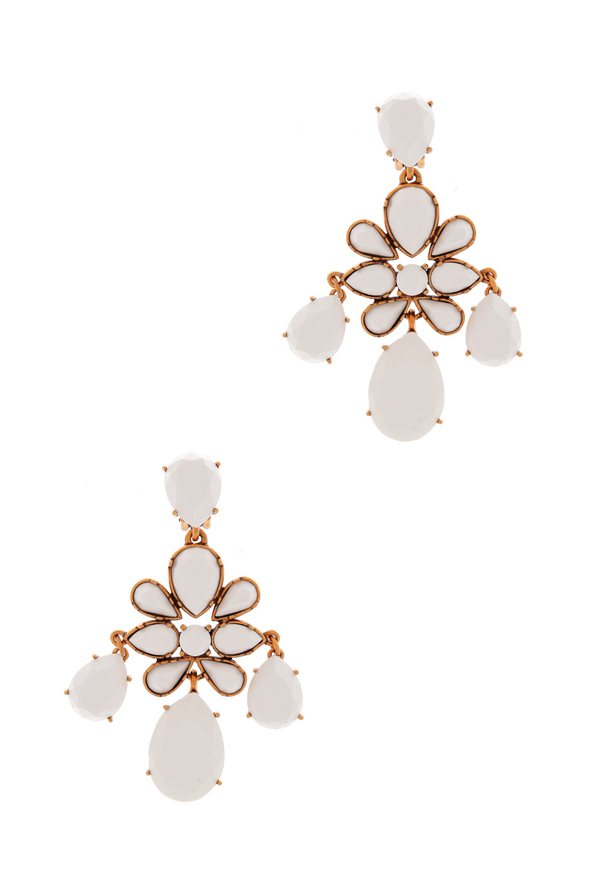 Earrings Dhs1,620 Oscar de la Renta at Boutique 1