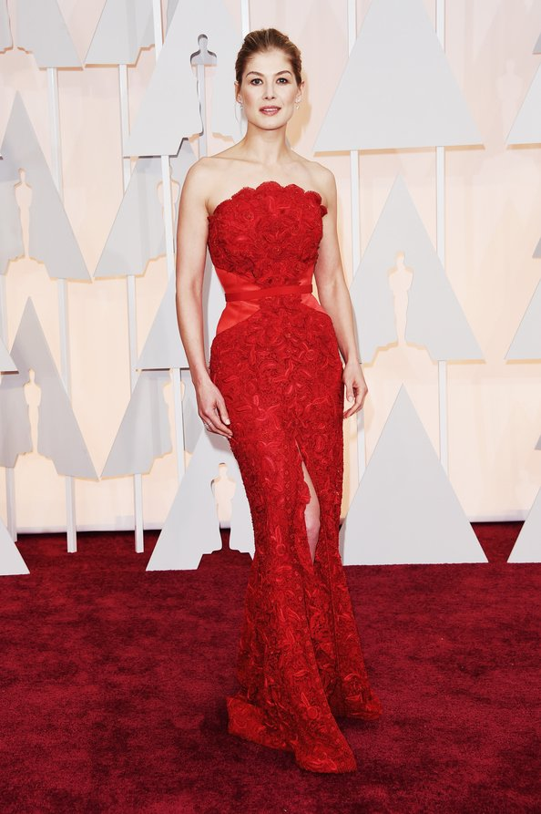 Rosamund Pike in Givenchy, OSCARS