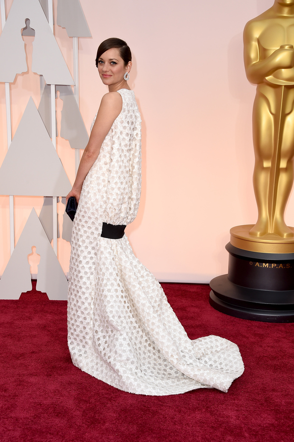 Marion Cotillard in Dior at the Oscars