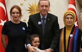 Lindsay Lohan Back On Social Media After Meeting Turkish President