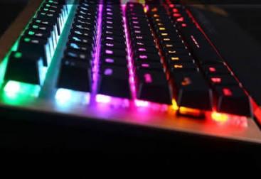 Mekanik Klavye