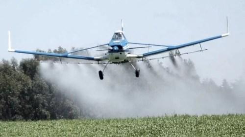 El gobierno nacional achicará por decreto las distancias para fumigar con agroquímicos
