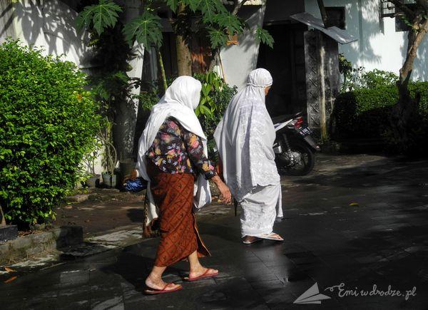 w drodze do meczetu