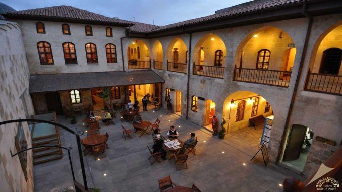 Yasayan Muze Tarihi Gumruk Hani
