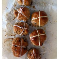 Hot Cross Buns, 2 ways - Vegan and Traditional