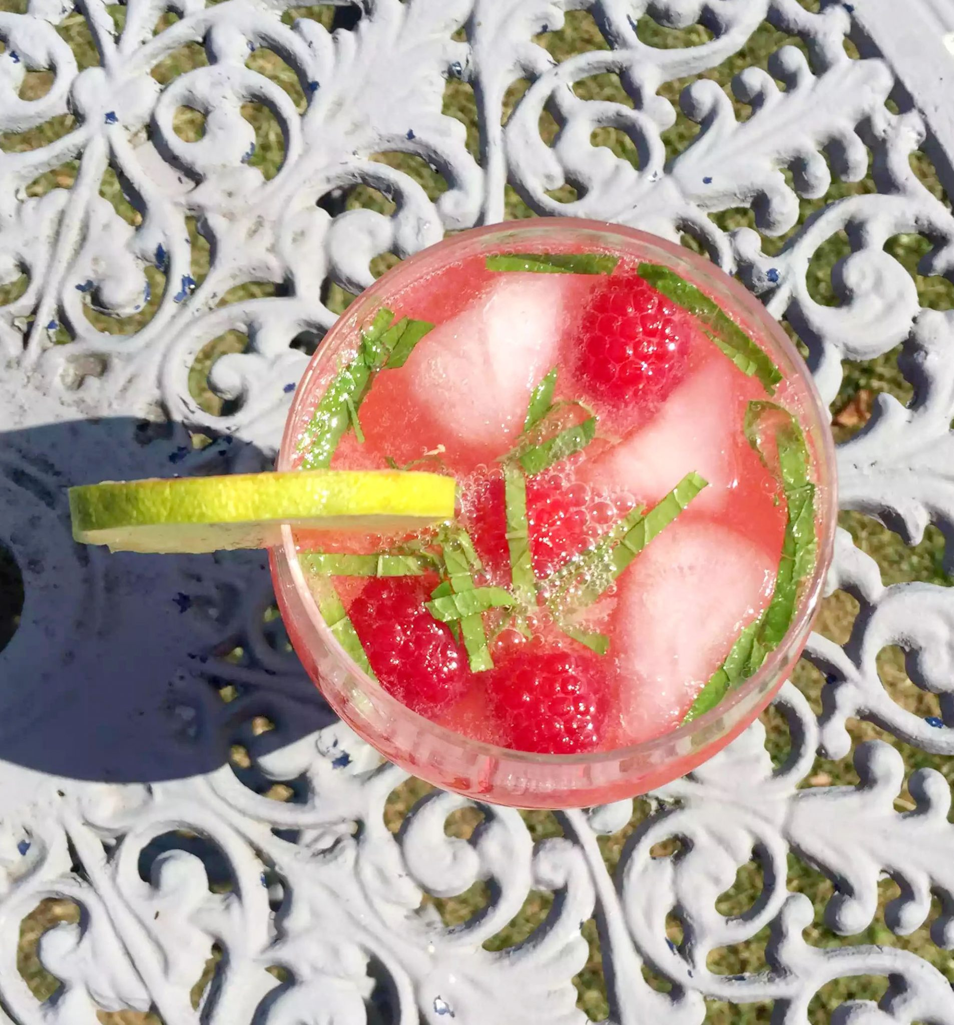 Raspberry Mint Lime Cooler – Non-Alcoholic